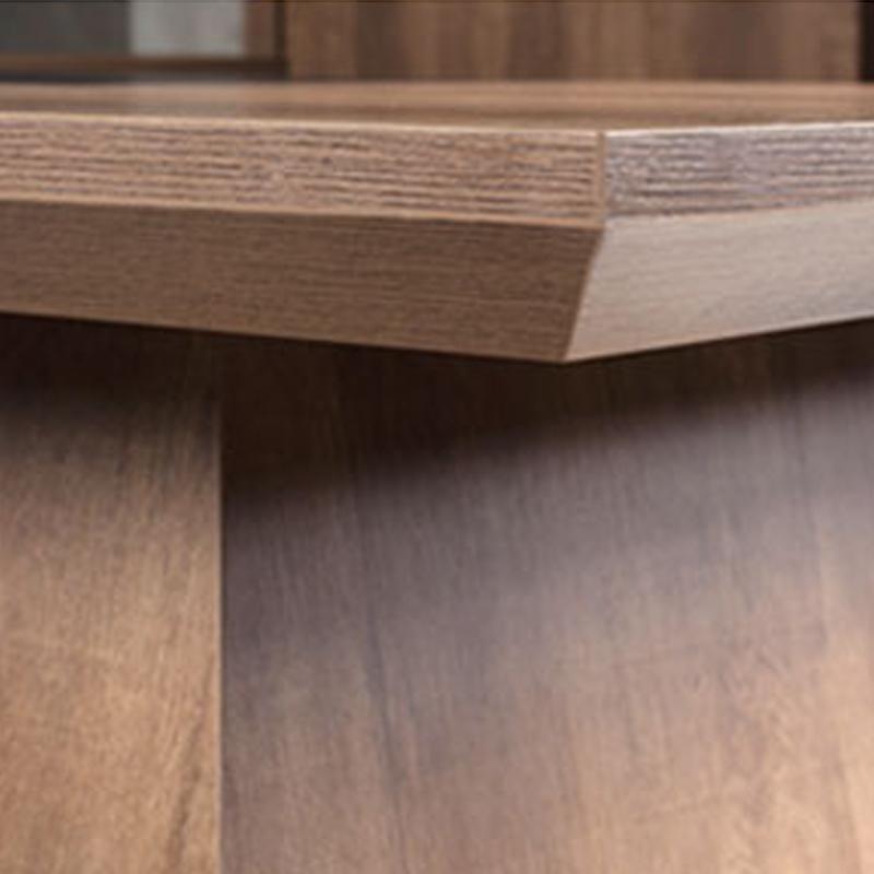 L型棕橡木大班桌